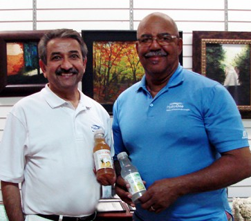 Coach Curtis Frye and Hydro One Premium Beverages Team Up Against Diabetes