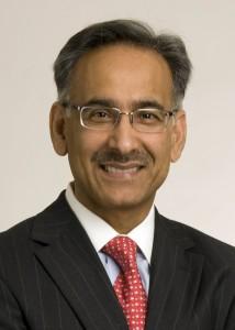 Dr. Mehmood Khan Profiled in Chicago Tribune