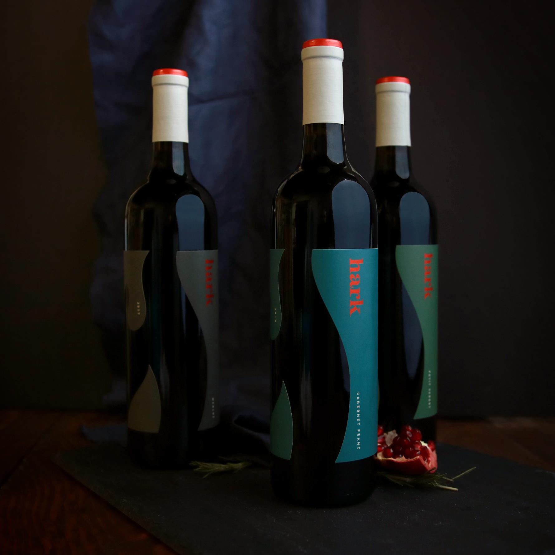 Hark Vineyards Package Design