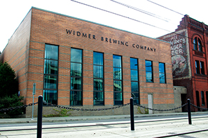 Widmer_Brewing_Company_headquarters_-_Portland,_Oregon